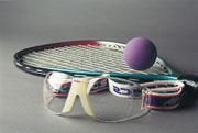 Siempre use la protección ocular adecuada cuando practique un deporte.