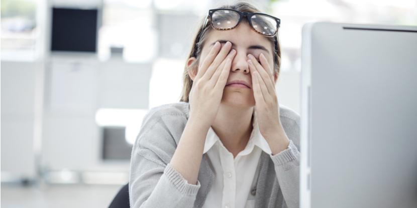 Las computadoras, los dispositivos digitales y la fatiga ocular - American Academy of Ophthalmology